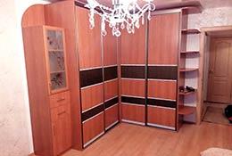 Фото углового Г-образного шкафа-купе с 4мя дверями